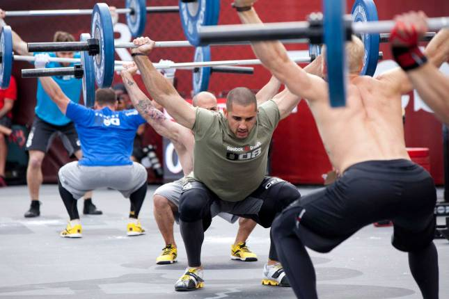 crossfit-overhead-squat-man