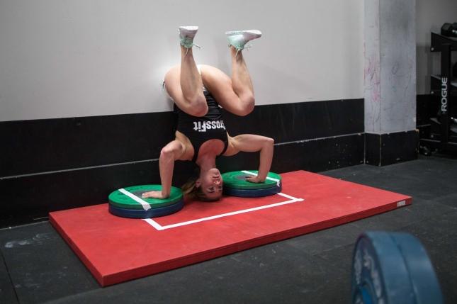 10-handstandpush-up-sndjhiwy763bva561g3
