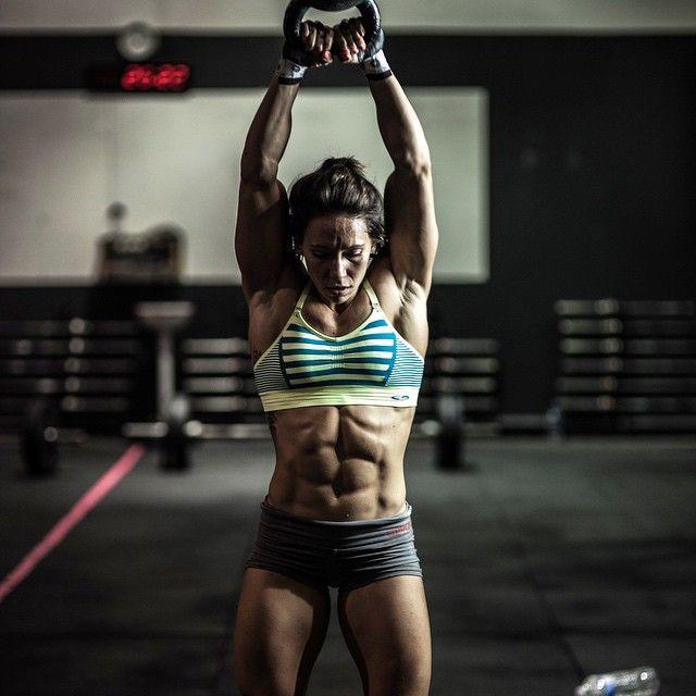 8e5742608f49f08b06f1ff883d8ca053-kettlebell-swings-women-who-lift