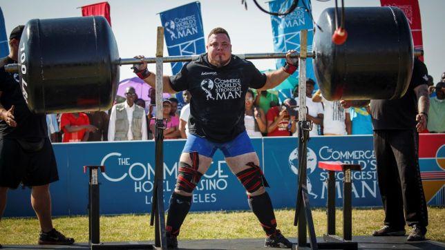 strongman-squats